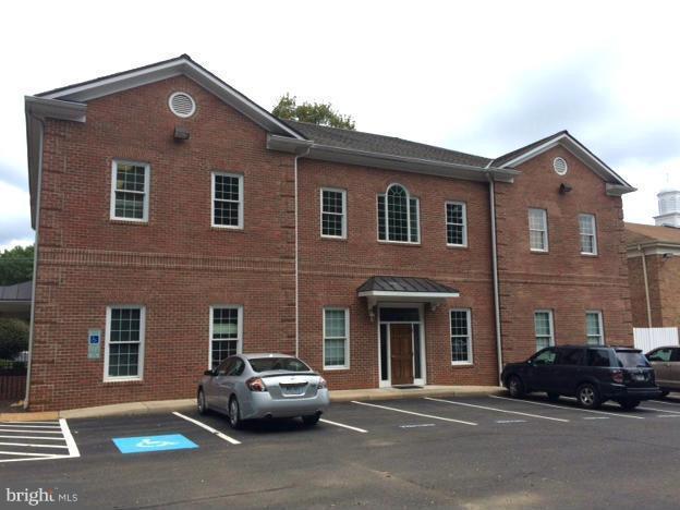 560 Broadview Avenue, WARRENTON, VA 20186 (#1000129273) :: Colgan Real Estate