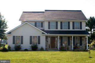 401 Scenic Ridge Boulevard, LEBANON, PA 17042 (#1000782513) :: Benchmark Real Estate Team of KW Keystone Realty
