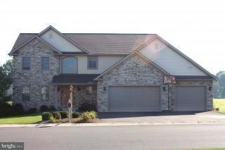 409 Scenic Ridge Boulevard, LEBANON, PA 17042 (#1000782531) :: Benchmark Real Estate Team of KW Keystone Realty