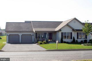 402 Scenic Ridge Boulevard, LEBANON, PA 17042 (#1000782547) :: Benchmark Real Estate Team of KW Keystone Realty