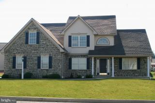 410 Scenic Ridge Boulevard, LEBANON, PA 17042 (#1000782575) :: Benchmark Real Estate Team of KW Keystone Realty