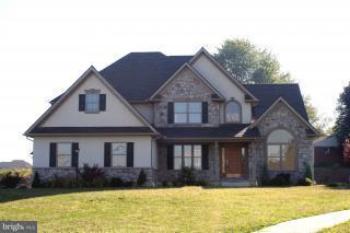 411 Scenic Ridge Boulevard, LEBANON, PA 17042 (#1000782615) :: Benchmark Real Estate Team of KW Keystone Realty