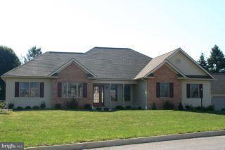 404 Scenic Ridge Boulevard, LEBANON, PA 17042 (#1000782633) :: Benchmark Real Estate Team of KW Keystone Realty
