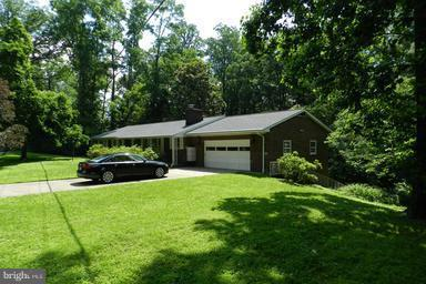 1879 Massachusetts Avenue, MCLEAN, VA 22101 (#1004403779) :: Colgan Real Estate