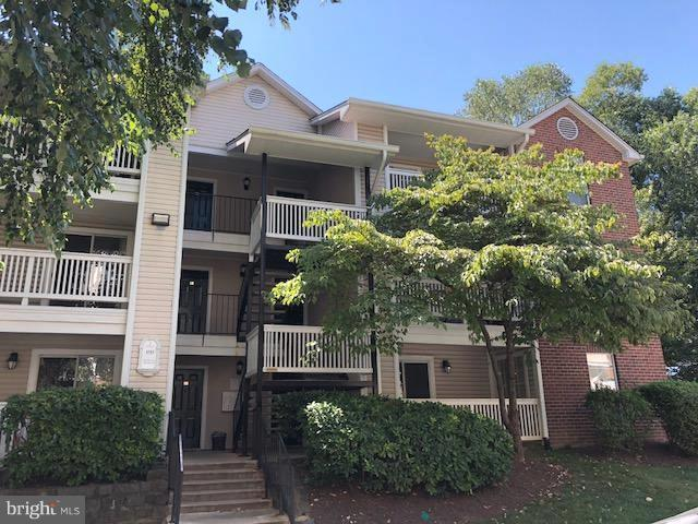 1511 Lincoln Way #304, MCLEAN, VA 22102 (#1005951275) :: Green Tree Realty