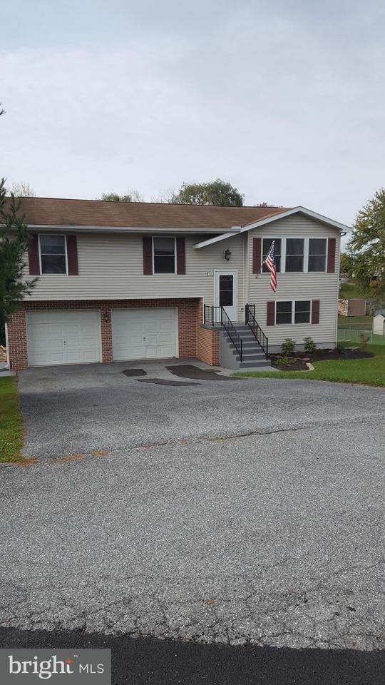 216 Nebinger Street, LEWISBERRY, PA 17339 (#1000090292) :: The Joy Daniels Real Estate Group