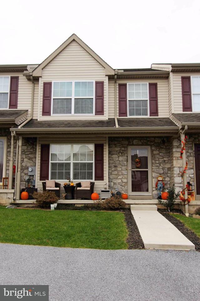 425 Glen Drive, MANCHESTER, PA 17345 (MLS #1000093206) :: CENTURY 21 Core Partners