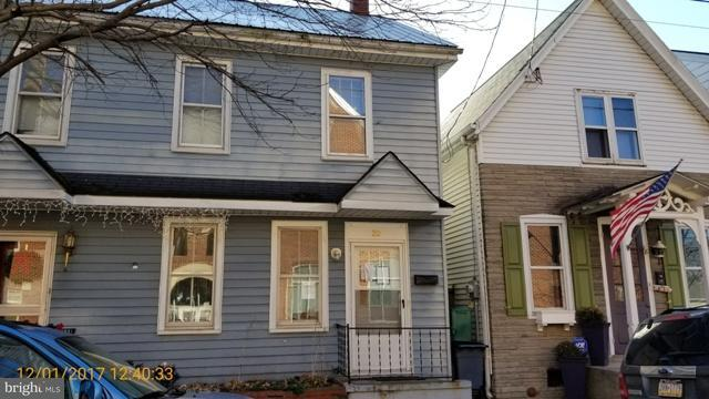 20 East Orange Street, LITITZ, PA 17543 (#1000097402) :: CENTURY 21 Core Partners