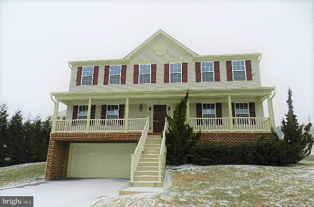 420 Lakeview Drive, SPRING GROVE, PA 17362 (#1000100088) :: Benchmark Real Estate Team of KW Keystone Realty