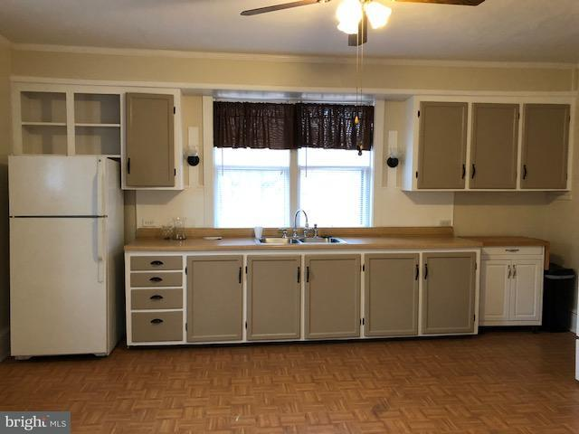 58 N Spruce Street, ELIZABETHTOWN, PA 17022 (#1000102628) :: The Craig Hartranft Team, Berkshire Hathaway Homesale Realty