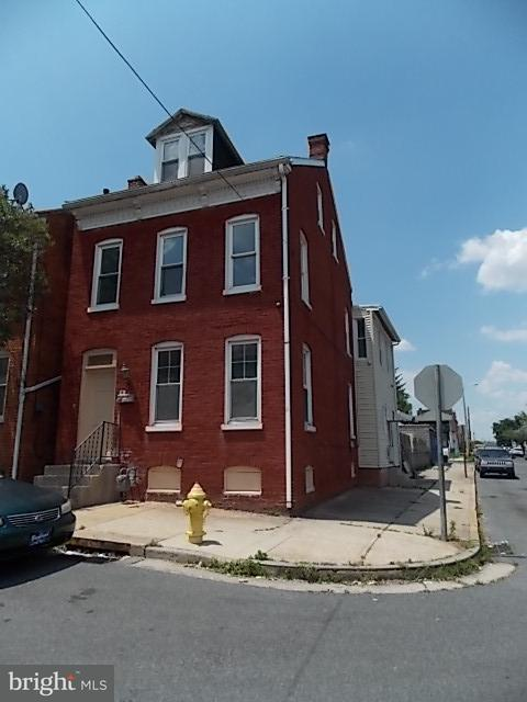 275 Union Street, YORK, PA 17401 (#1000179996) :: Benchmark Real Estate Team of KW Keystone Realty
