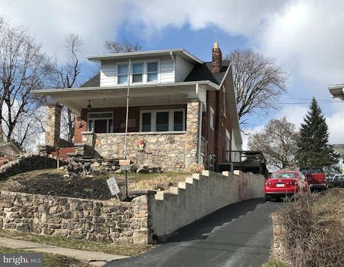 105 E Cumberland Road, ENOLA, PA 17025 (#1000292888) :: The Joy Daniels Real Estate Group