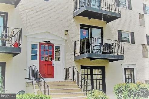 438 N Armistead Street #204, ALEXANDRIA, VA 22312 (#1001526824) :: Dart Homes