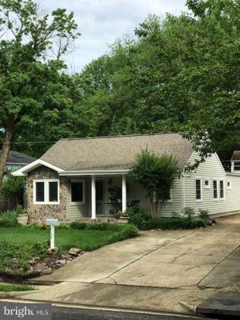 2128 Pimmit Drive, FALLS CHURCH, VA 22043 (#1001912576) :: Colgan Real Estate