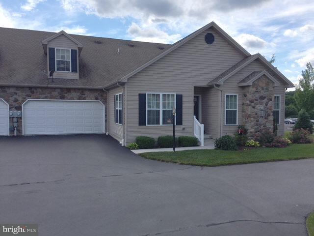 27 Ivy Lane, GETTYSBURG, PA 17325 (#1001924232) :: Benchmark Real Estate Team of KW Keystone Realty