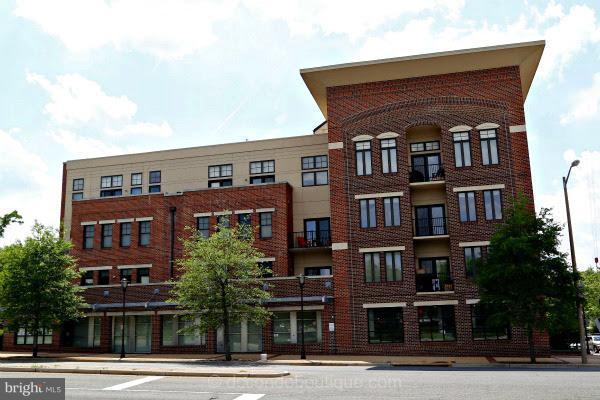 181 Reed Avenue #201, ALEXANDRIA, VA 22305 (#1001995814) :: Cristina Dougherty & Associates