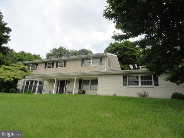 9052 Possum Hollow Road, SHIPPENSBURG, PA 17257 (#1002002616) :: Great Falls Great Homes