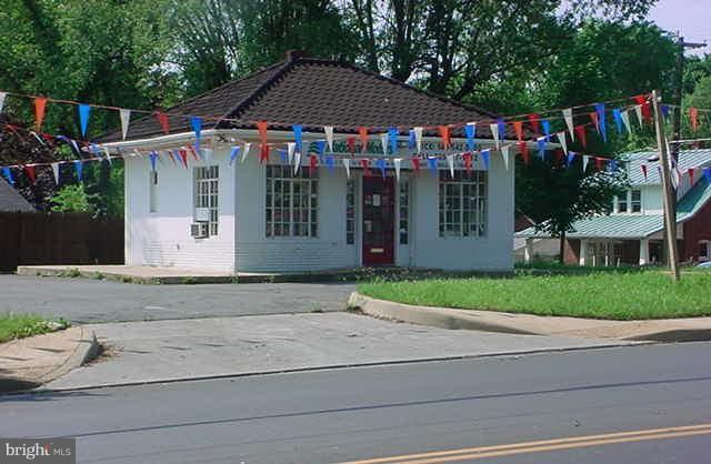 1726 Valley Avenue, WINCHESTER, VA 22601 (#1002037254) :: Green Tree Realty