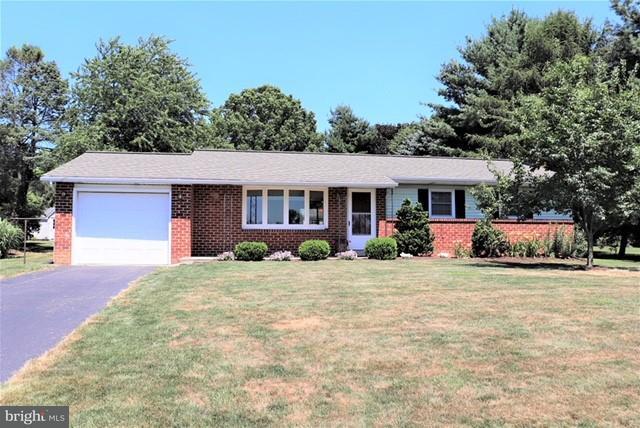 205 Weaver Drive, LITITZ, PA 17543 (#1002043378) :: The Craig Hartranft Team, Berkshire Hathaway Homesale Realty