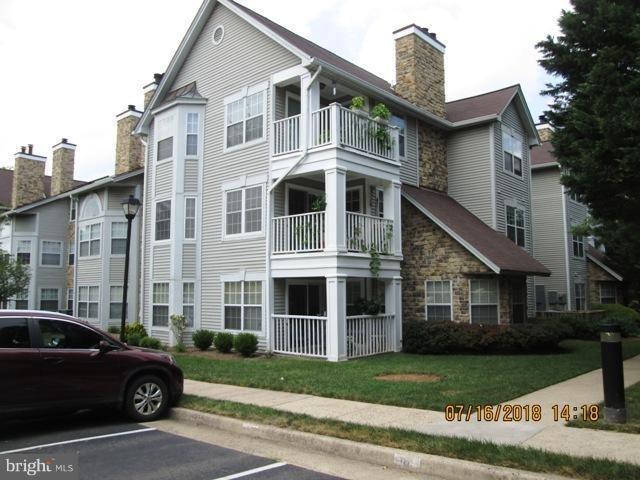 5605 Willoughby Newton Drive #13, CENTREVILLE, VA 20120 (#1002057200) :: The Greg Wells Team