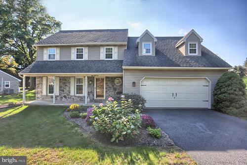 854 Furnace Hills Pike, LITITZ, PA 17543 (#1002114122) :: The Craig Hartranft Team, Berkshire Hathaway Homesale Realty