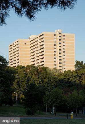 6101 Edsall Road #1210, ALEXANDRIA, VA 22304 (#1002121500) :: Keller Williams Pat Hiban Real Estate Group