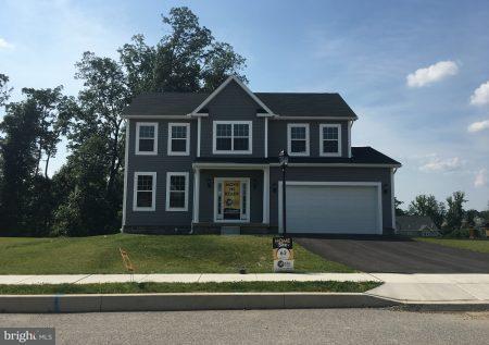 260 Sonny Street #11, HANOVER, PA 17331 (#1002200390) :: The Joy Daniels Real Estate Group