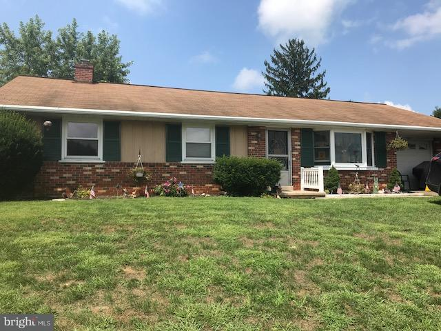 349 Valley View Drive, NEW HOLLAND, PA 17557 (#1002226466) :: Benchmark Real Estate Team of KW Keystone Realty
