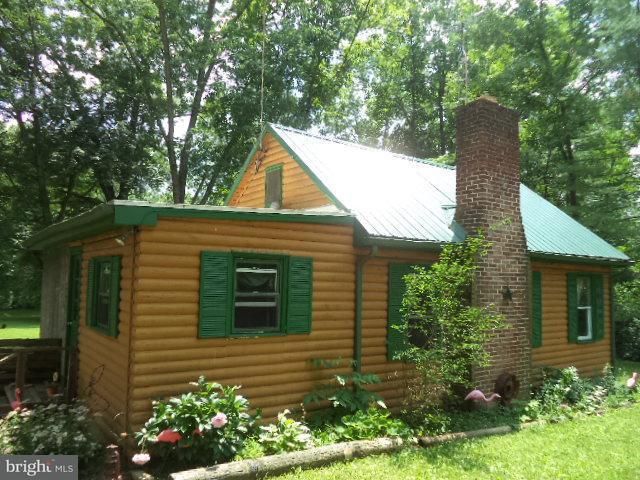 210 Pickett Road, DOVER, PA 17315 (#1002235390) :: Benchmark Real Estate Team of KW Keystone Realty