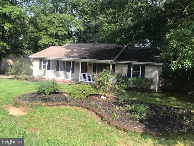 5502 Leavells Crossing Drive, FREDERICKSBURG, VA 22407 (#1002286934) :: Colgan Real Estate