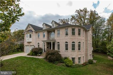 6529 Fairlawn Drive, MCLEAN, VA 22101 (#1002288732) :: Great Falls Great Homes
