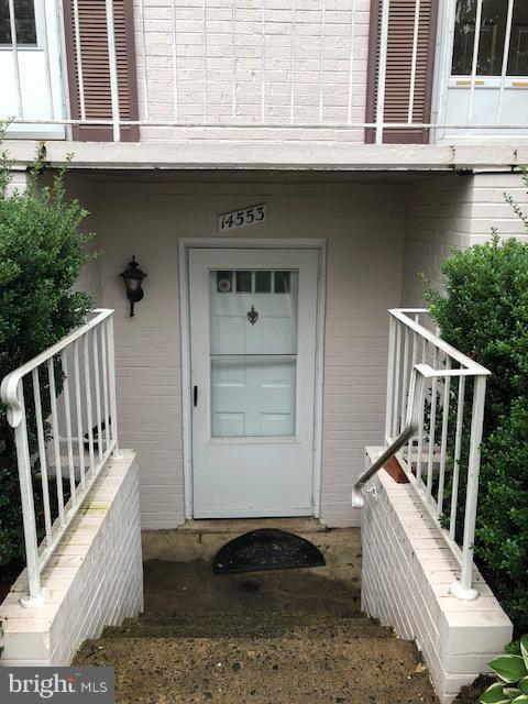 14553 Golden Oak Road 128A, CENTREVILLE, VA 20121 (#1002767838) :: The Greg Wells Team