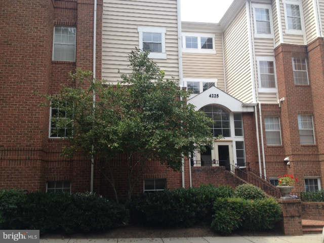 4225 Mozart Brigade Lane #31, FAIRFAX, VA 22033 (#1003248516) :: The Sebeck Team of RE/MAX Preferred