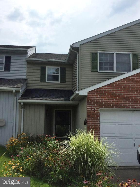 100 Nottingham Drive, CHAMBERSBURG, PA 17201 (#1003800972) :: The Withrow Group at Long & Foster