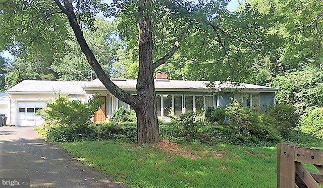 4205 Saint Jerome Drive, ANNANDALE, VA 22003 (#1003894574) :: Great Falls Great Homes