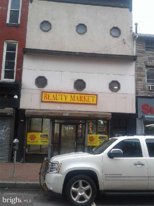 1235 Baltimore Street, BALTIMORE, MD 21223 (#1004990906) :: Labrador Real Estate Team