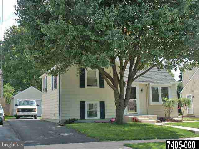 745 Carl Street, YORK, PA 17404 (#1006625864) :: The Heather Neidlinger Team With Berkshire Hathaway HomeServices Homesale Realty