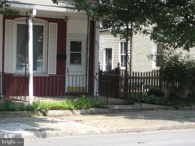 335 E Louther Street, CARLISLE, PA 17013 (#1006640548) :: The Joy Daniels Real Estate Group