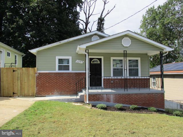 1209 Capitol Heights Boulevard, CAPITOL HEIGHTS, MD 20743 (#1007536632) :: Colgan Real Estate