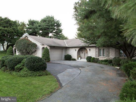 2837 Long Farm Lane, LANCASTER, PA 17601 (#1008348828) :: The Craig Hartranft Team, Berkshire Hathaway Homesale Realty