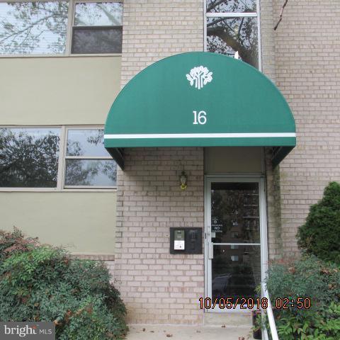 16 Canterbury Square #201, ALEXANDRIA, VA 22304 (#1008356118) :: Cristina Dougherty & Associates