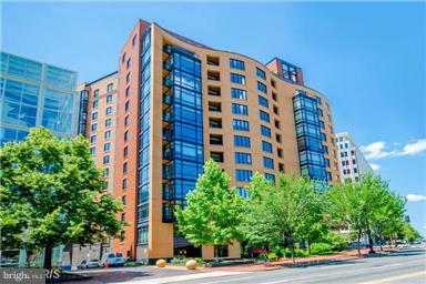 1010 Massachusetts Avenue NW #504, WASHINGTON, DC 20001 (#1009672354) :: The Withrow Group at Long & Foster
