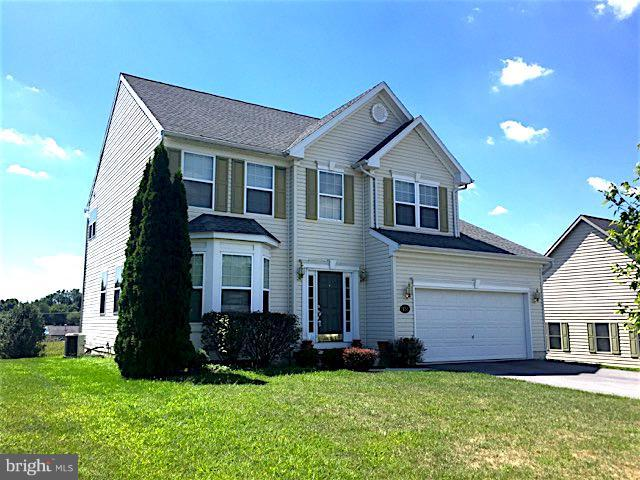 950 Alandale Drive, CHAMBERSBURG, PA 17202 (#1009920222) :: Benchmark Real Estate Team of KW Keystone Realty