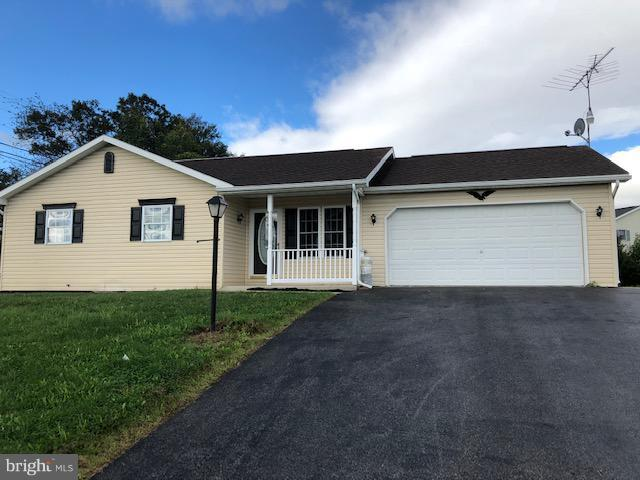 2 Independence Drive, SHIPPENSBURG, PA 17257 (#1009921436) :: Benchmark Real Estate Team of KW Keystone Realty