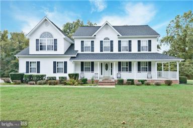 13311 Olde Oak Drive, CHARLOTTE HALL, MD 20622 (#1009933074) :: The Putnam Group
