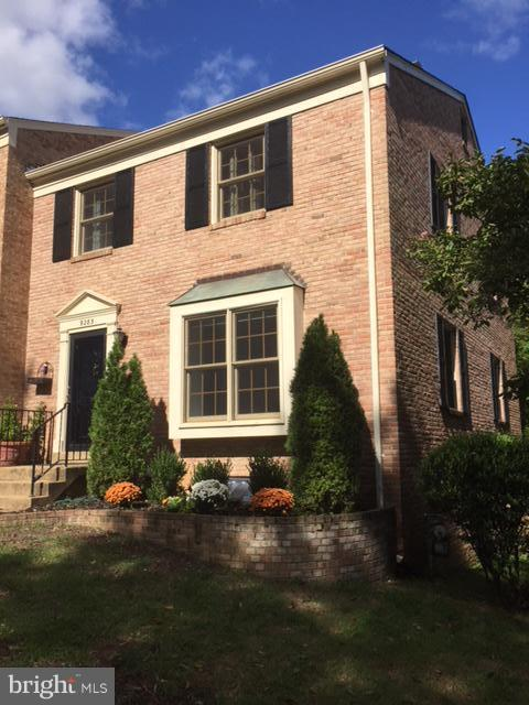 9283 Bailey Lane, FAIRFAX, VA 22031 (#1009939770) :: The Withrow Group at Long & Foster