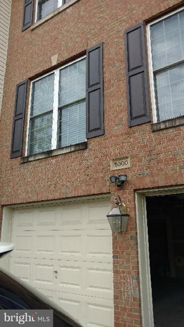5300 Rosemallow Circle, CENTREVILLE, VA 20120 (#1009956938) :: Browning Homes Group
