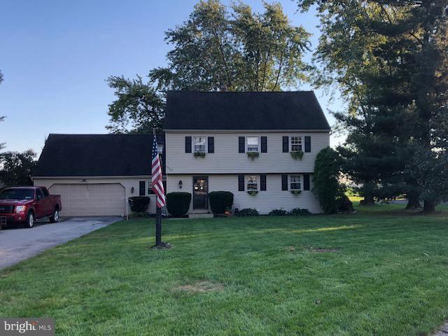 31 Lilac Drive, MANHEIM, PA 17545 (#1009958124) :: The Craig Hartranft Team, Berkshire Hathaway Homesale Realty