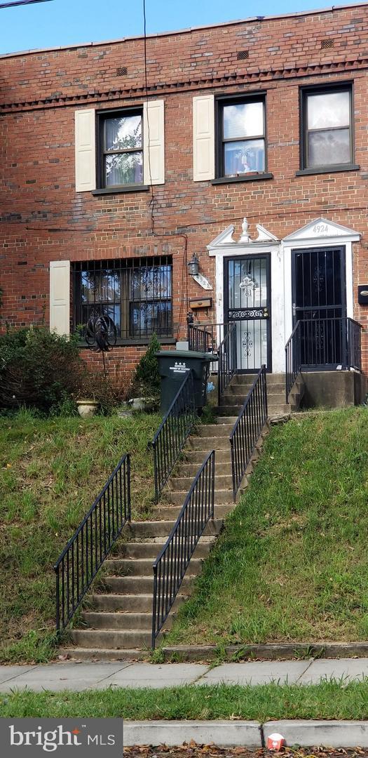 4922 SE Jay Street NE, WASHINGTON, DC 20019 (#1009964864) :: Remax Preferred | Scott Kompa Group