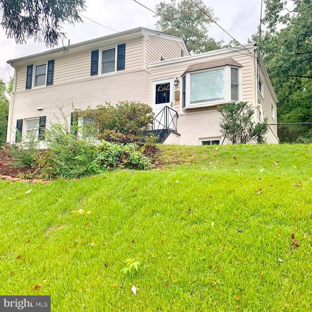 2444 Saint Clair Drive, TEMPLE HILLS, MD 20748 (#1009971860) :: ExecuHome Realty